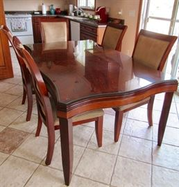 Dinning Room Table w/2 leaves & 6 Chairs
