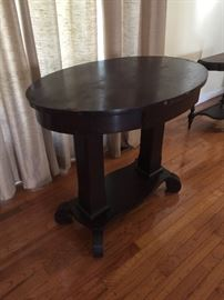 oval antique wooden accent table