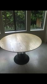 Table with extra leaf made in France