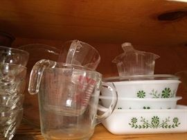Bakeware/ vintage kitchen accessories