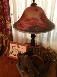 Beautiful vintage frosted glass poppy lamp
