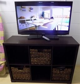 HCE061 Samsung LCD TV with Wooden Stand and Storage