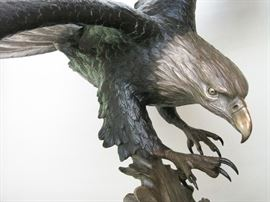 Detail of Mike Curtis Eagle Bronze