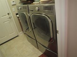 LG Steam washer and electric dryer new spring, 2016