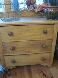 small three drawer chest