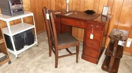 Mahog Knee Hold Desk/Sewing Machine