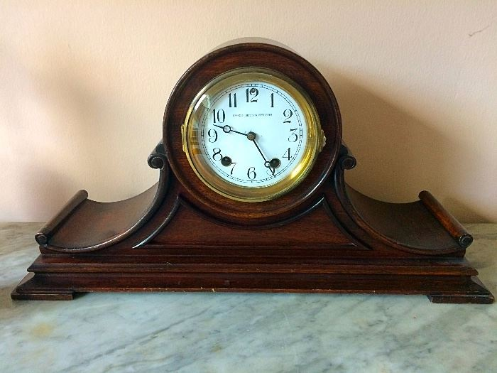 Hess & Culbertson Jewelry Co. Mantle Clock