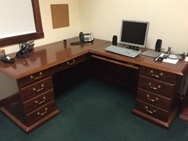 Cherry wood  Office Desk $150.00 **BUY IT NOW PAYPAL**LOT#806