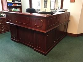 L Shape Computer Station/Office/ Reception Desk Cherry wood $450.00 **BUY IT NOW PAYPAL**     LOT#808