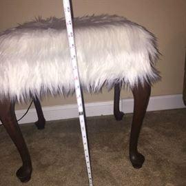 Fluffy Foot Stool Measurements