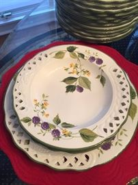 BRUNELL DINNERWARE-MADE IN ITALY