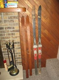 OLD WOOD SKIS