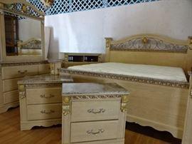 GORGEOUS BEDROOM SET