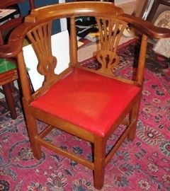 Rare c. 1780 Petersburg Corner Chair