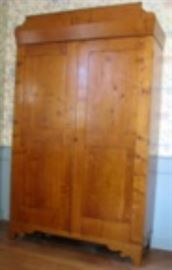 Rare 1830s Tiger Maple Wardrobe