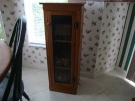 Wood storage cabinet with 3 shelves and glass door
