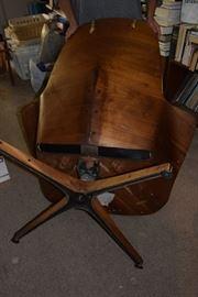 Plycraft chair; bottom view