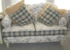 Smith Brothers cottage loveseat
