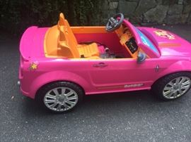 Barbie dream car - battery operated.. LOW mileage!