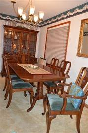 Ethan Allen Vintage Dining room set!