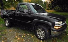 2000 Chevrolet Silverado 4x4 Pickup Truck