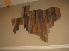 huge Texas Barnwood wall hanging ( you take down! this will take 3 men and 3 tall ladders) it must be removed by the end of the second day.