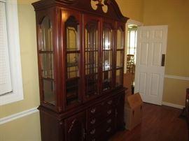 Breakfront cabinet - nice