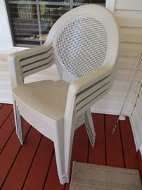 4 of 6 matching patio chairs