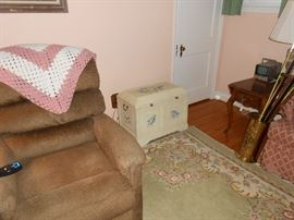 Lift chair, hydrangea chest, Ethan Allen drop leaf, canes, more.