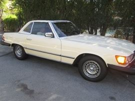 Gorgeous Classic 1980 Mercedes Benz 450SL Convertible in Near Mint Condition!!!  Don't miss this!!