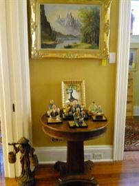 gold framed painting, round table, Hakala Urasuki dolls on base, etc.