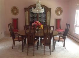 Romweber dining room set