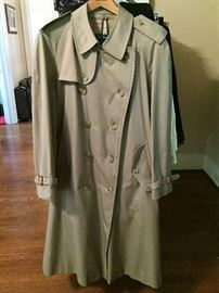 Men's size 44 Burberry trench coat - NEW!