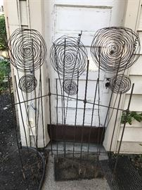 JUST FOUND THIS AMAZING IRON FENCING TUCKED AWAY IN THE GARAGE!