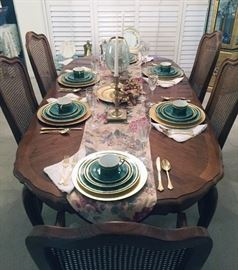 Thomasville Dining Table with 6 Chairs