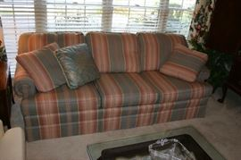 Traditional sofa - great condition