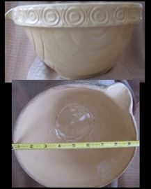 9 inch stoneware batter bowl