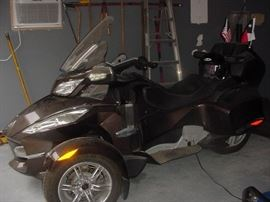 3 Wheel Can Am Spyder Limited RT Motorcycle