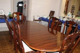 Kinkaide Dining Table with 2 Captain Chair and 4 chairs