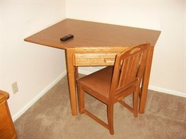 One of two Stanley corner desks & chairs.