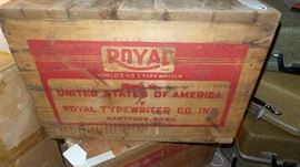 Old Royal Typewriter Wood Shipping Crate ~ Homeowner Was Royal Typewriter Salesman