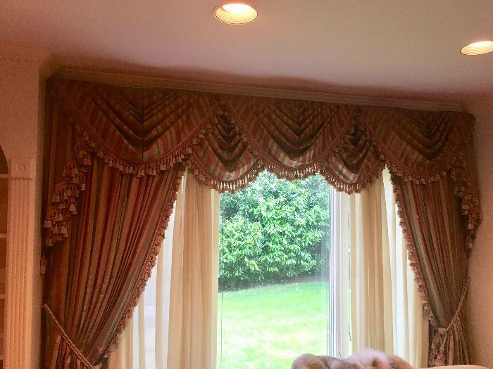 Beautiful curtains - 2 windows