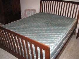 Queen Kincaid Bedroom Suite w/Mattress & Boxsprings