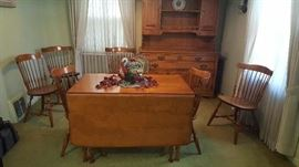Minty condition dropleaf dining table by Cushman Colonial .... 6 windsor chairs by
