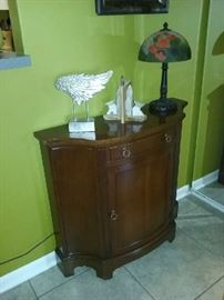 entry cabinet, lamp