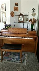 Immaculate upright piano $250