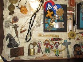 vintage toys, military, lock, knives