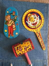 Perfect condition noisemakers