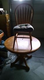Oak table and four chairs 65