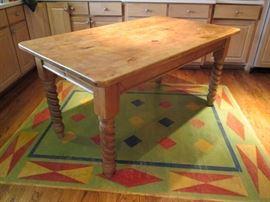 Nantucket turned leg pine table